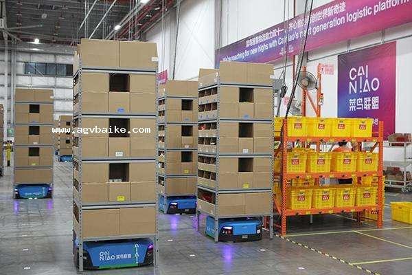 菜鸟网络150台AGV机器人自主搭建仓库 双十一投入使用