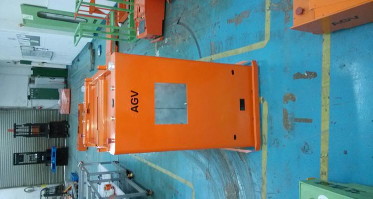 AGV小车厂家如何在智能工厂中发挥作用