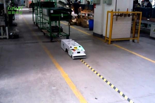 浅谈AGV搬运机器人的类型差异