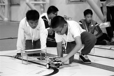 广东仓储机器人上演大比拼